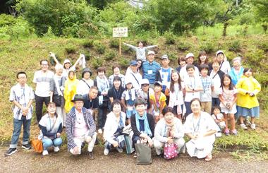 南三陸町歌津夏祭り「子ども交流バスツア-」集合写真